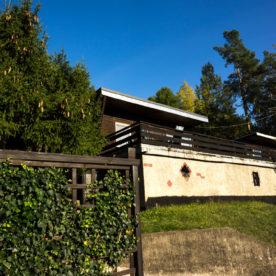 Bungalow Seitenansicht mit Garage